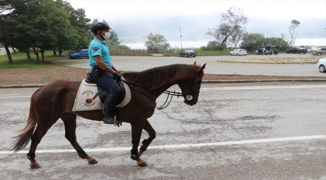 Abant'ta atlı tim göreve başladı