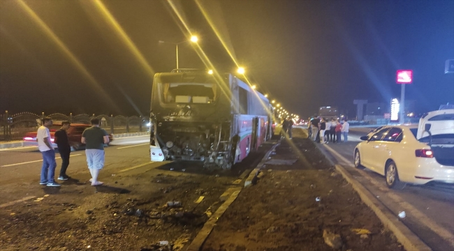 Diyarbakır'da seyir halindeki yolcu otobüsünde yangın çıktı