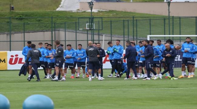 Fenerbahçe, Topuk Yaylası'ndaki yeni sezon hazırlık kampına başladı