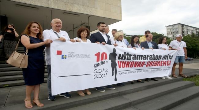 Hırvatistan'daki 10. Vukovar-Srebrenitsa Maratonu başkent Zagreb'den hareket etti