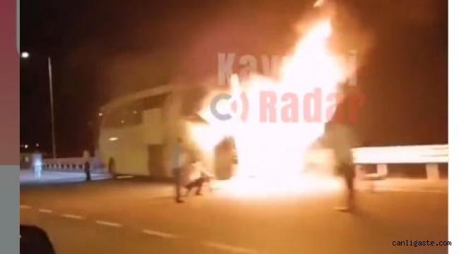 Kayseri Aksaray karayolunda yolcu otobüsü yandı (Videolu Haber)