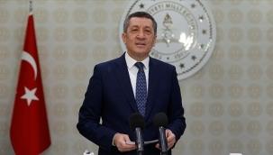Milli Eğitim Bakanı Selçuk, canlı yayında soruları yanıtladı