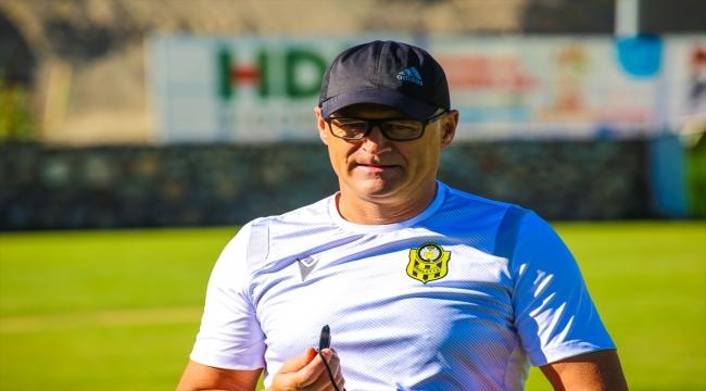 Yeni Malatyaspor Teknik Direktörü İrfan Buz, transfer çalışmalarını sürdürdüklerini söyledi: