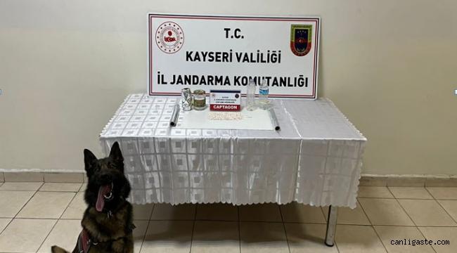 Kayseri'de 1077 adet uyuşturucu hap ele geçirildi