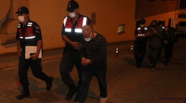 Kayseri'de durdurulan otomobilde iki tarihi Tevrat ele geçirildi