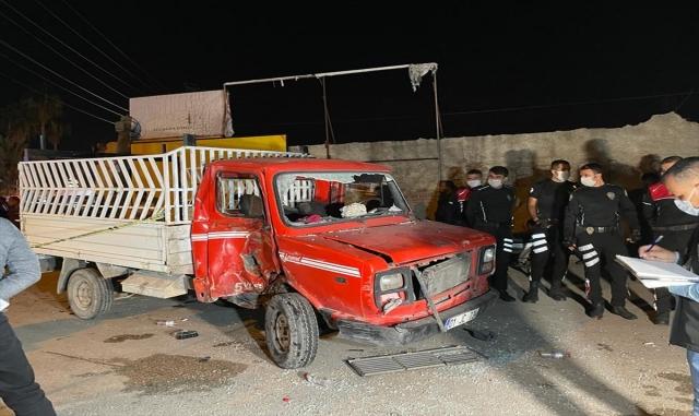 Kamyonet ile motosiklet çarpıştı: 1 ölü, 1 yaralı