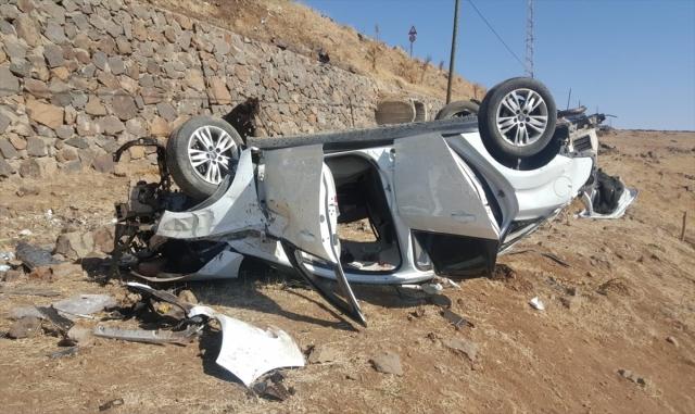 Şarampole devrilen otomobildeki 4 kişi öldü, 2 kişi yaralandı