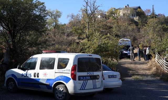 Kayseri'de ağaca düşen yamaç paraşütçüsü yaralandı