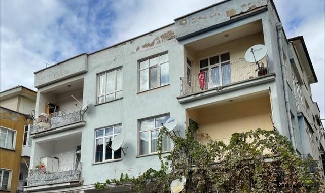 Kayseri'de banyo camından havalandırma boşluğuna düşen bir kişi yaralandı