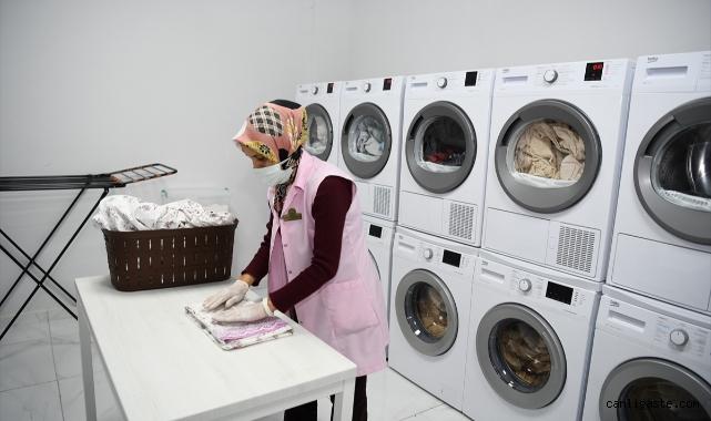 Kayseri'de üniversite öğrencilerinin çamaşırları ücretsiz yıkanıyor