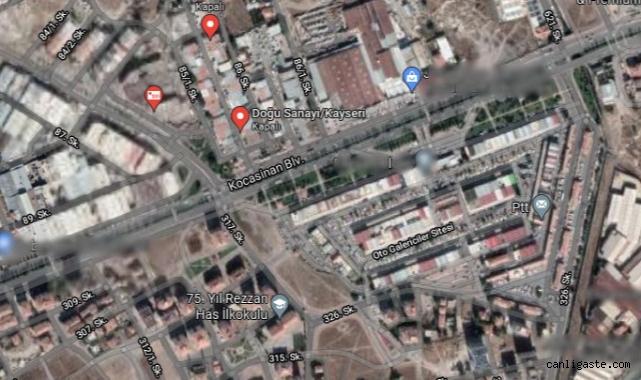 Kayseri Kocasinan'da yolu kapanan esnaf, yolu kapatarak protesto etti (Videolu Haber)